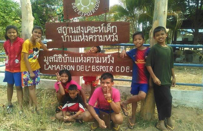 /projects/camp-thailand-three-week-volunteer-teaching-trip-buriram/