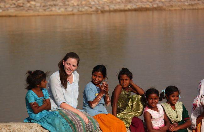 /projects/bamba-experience-two-week-volunteer-program-jaipur-india/
